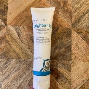 VASANTI Brighten Up! Enzymatic Face Exfoliator